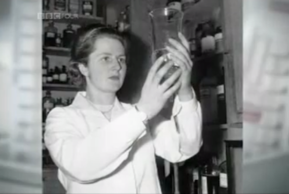 A young Margaret Thatcher, in the lab. (BBC via YouTube)