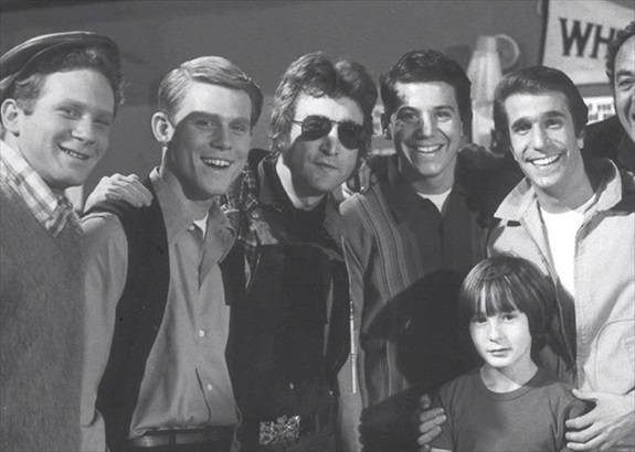 John Lennon and his son, Julian, with the cast of Happy Days