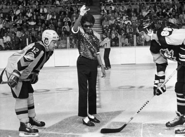 Michael Jackson drops the puck for Vancouver Canucks vs. Pittsburgh Penguins