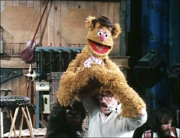 Pictures of Behind the Scenes with the Muppets, c (11)
