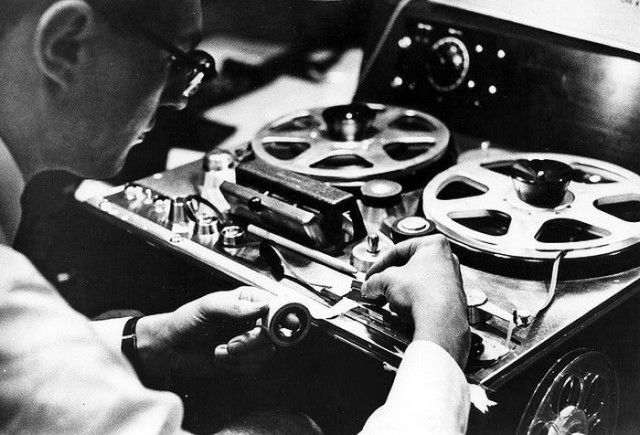 How Vinyl Records Were Produced (12)