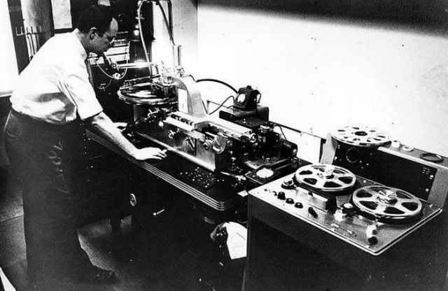How Vinyl Records Were Produced (3)
