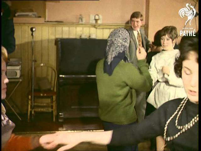 Lets All Check Out This 1960s Hipster Dance Party