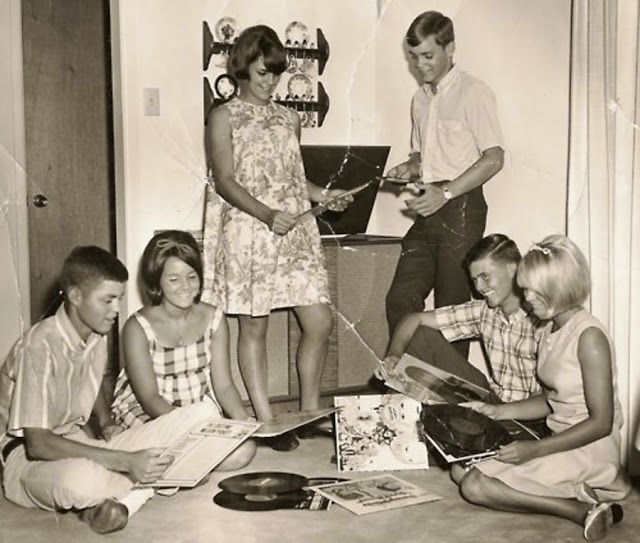 Teenage record party, 1950s-60s (4)