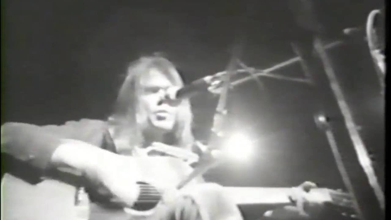 video neil young live at hammersmith odeon in london 1976 that eric alper. Black Bedroom Furniture Sets. Home Design Ideas