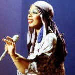 Queen-of-Disco-Donna-Summer-performs-onstage-in-circa-1979.
