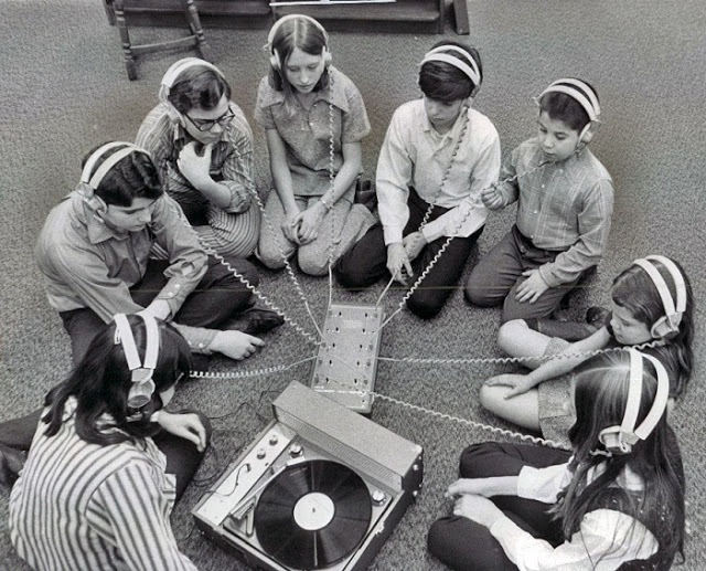 Teenage record party, 1950s-60s (14)